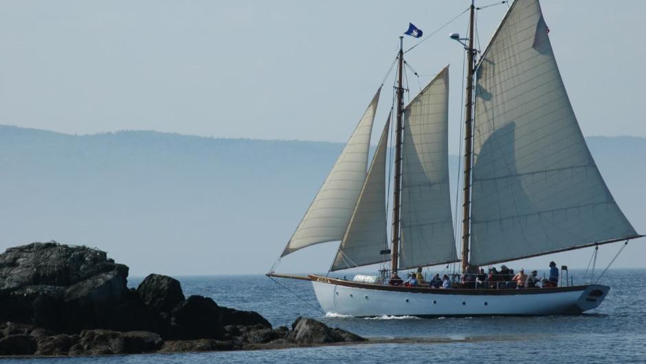 Schooner Olad Sailing in Camden Maine