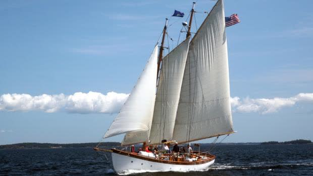 Schooner Olad Sailing in Camden Maine