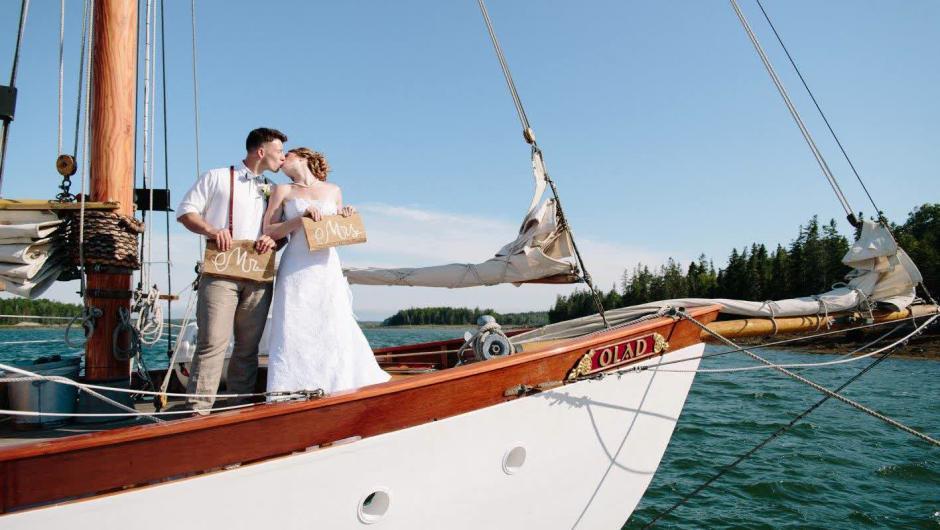 Camden Maine Sailing Cruises and Charters   Schooner Olad